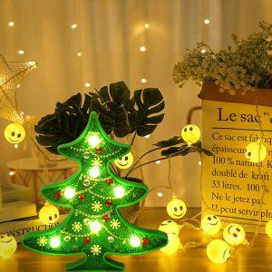 Gyémántszemes kirakó karácsonyfa kis lámpa